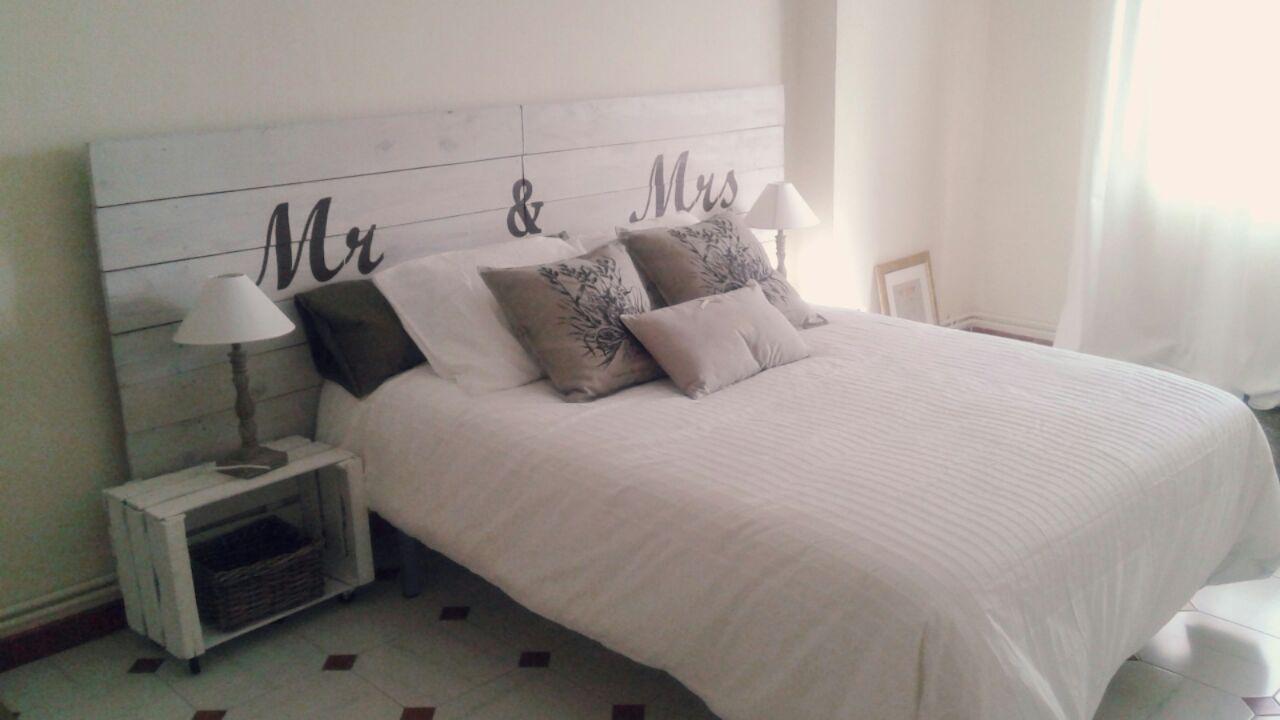 Cabeceros entre mesillas - Cabeceros de cama con palets ...