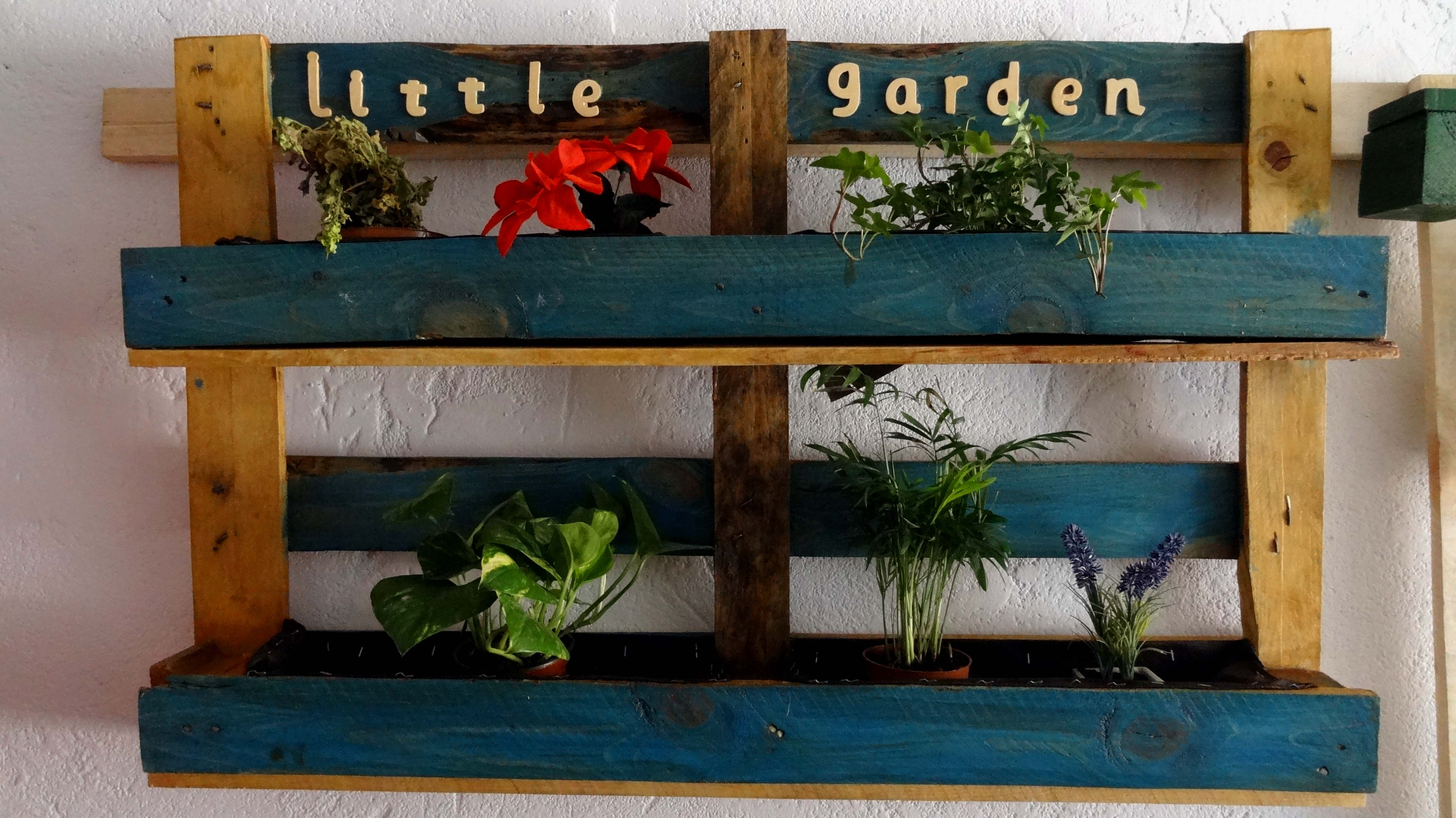 Jardines verticales con palets affordable jardin vertical for Maceteros verticales con palets