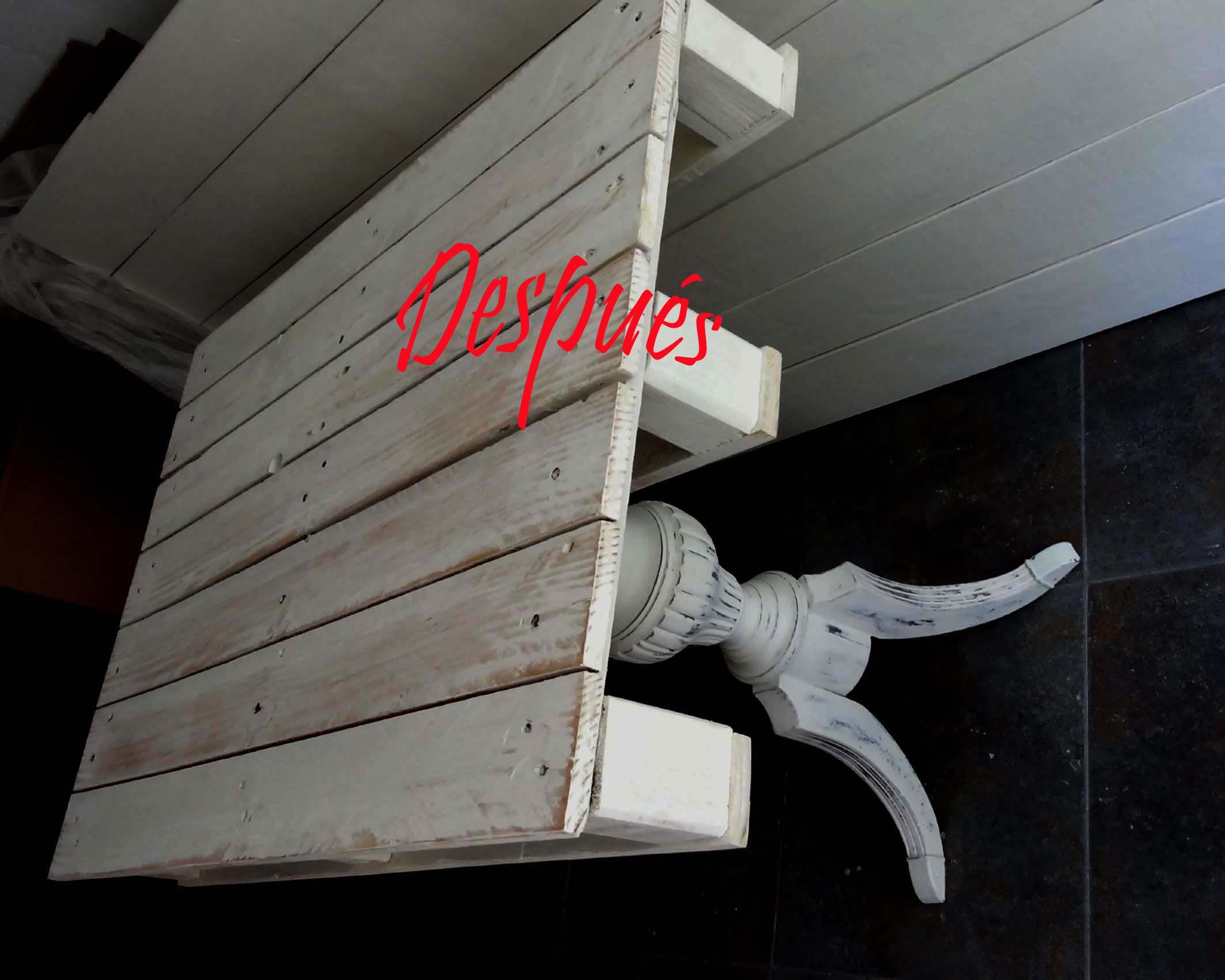 Entre mesillas alegra tu casa con muebles restaurados - Muebles pintados en plata ...