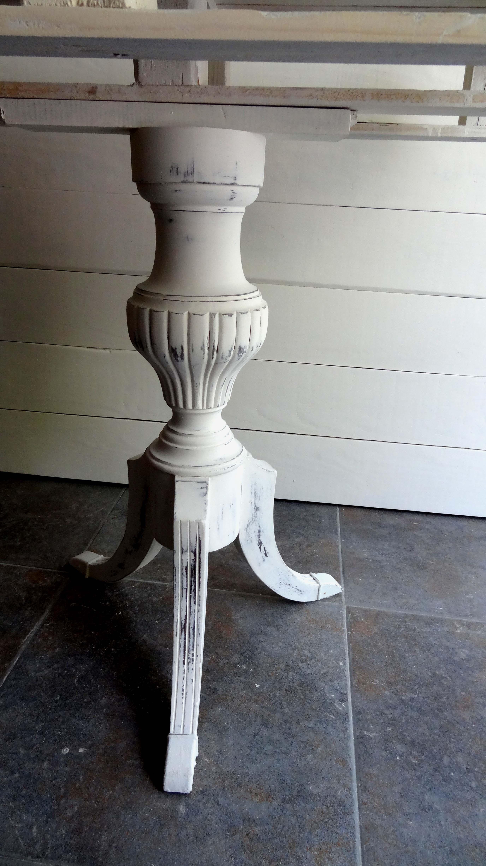 Entre mesillas alegra tu casa con muebles restaurados for Muebles vintage restaurados